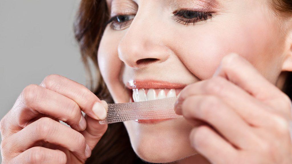 Bělicí pásky na zuby